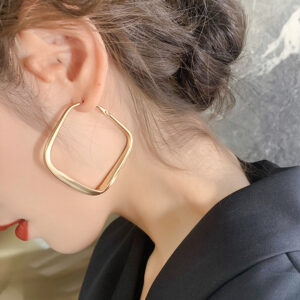 Retro Exaggerated Earrings