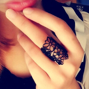 Personalized Hollow Flower Ring Is Cool And Stylish