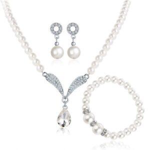Artificial pearl necklace pendant