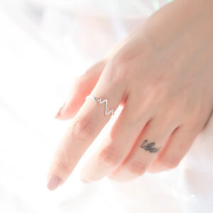 Simple and lovely heart ring