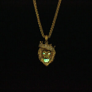 Europe and the United States selling diamond crown lion hip-hop luminous necklaces men Unisex gold-plated hiphop luminous Pendant