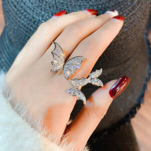 Butterfly ring simple and cold wind