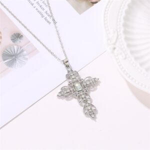 Bohemian Hollow Diamond Necklace Clavicle Chain