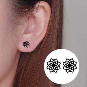 Flower shape earrings